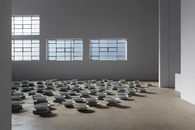 Installazione di Fatma Bucak - ph. Renato Ghiazza