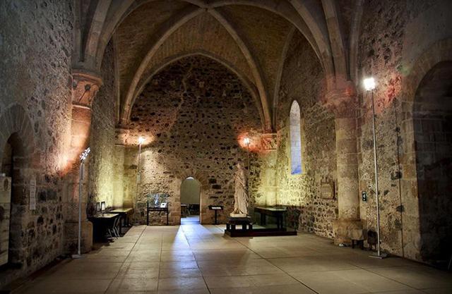 Una sala interna del Castello Ursino di Catania