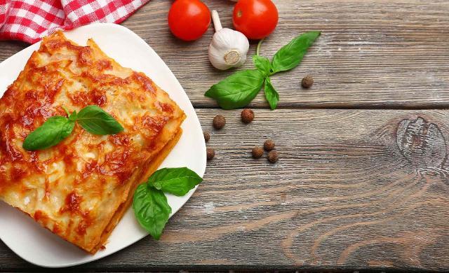 I piatti maggiormente ordinati sono quelli tradizionali come le lasagne, le crocché o i panini tipici