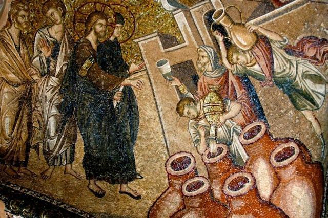 """Particolare di un mosaico raffigurante le """"Nozze di Cana nella Chiesa del Salvatore in chora a Istanbul, l'antica Bisanzio"""