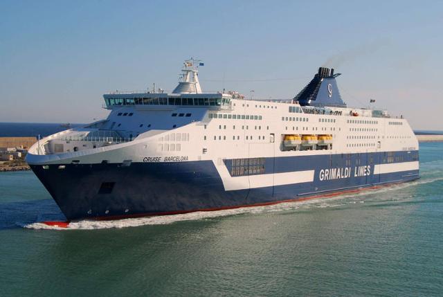 """Nave cruise """"Barcellona"""" Grimaldi Lines"""