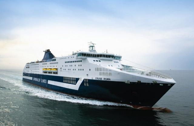 "Nave cruise ""Roma"" Grimaldi Lines"