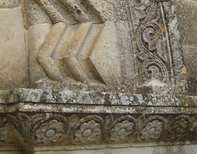 Particolare dell'ingresso al castello di Mussomeli (o Castello Manfredonico), a Mussomeli (provincia di Caltanissetta, Sicilia) - ph Pequod76