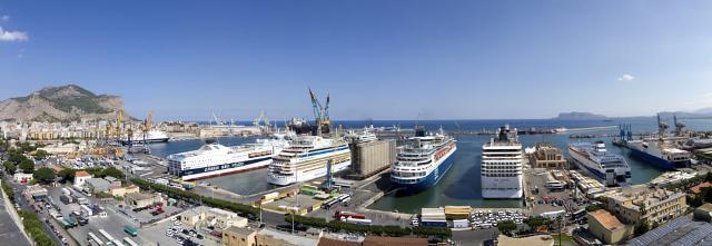 Una veduta del Porto di Palermo