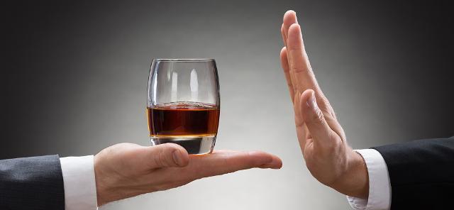 DIECI IMPORTANTI MOTIVI PER NON ABUSARE DELL'ALCOL