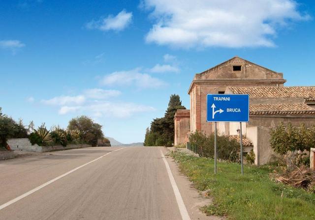 La strada per Bruca - ph on-sicily.com