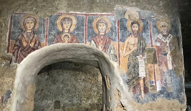 """L'affresco della """"Teoria dei Santi"""" della Chiesa rupestre di Lentini"""