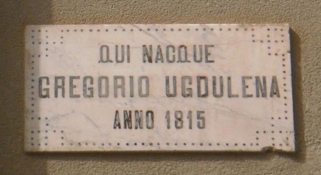 Lapide commemorativa posta nel prospetto della casa dove nacque Gregorio Ugdulena a Termini Imerese