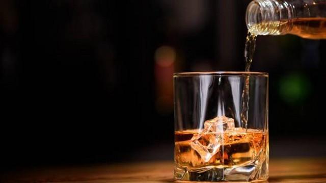 L'alcol è un fattore di rischio per molti tumori (fegato, cavo orale, gola, ecc.), l'organo maggiormente colpito è il fegato, ma risente dell'effetto tossico dell'alcol anche l'apparato cardiovascolare e gastrointestinale.