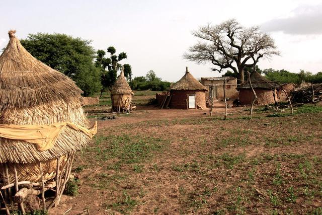 Un villaggio nel Burkina Faso - ph MartinGrandjean