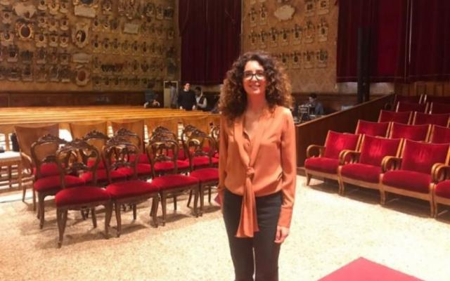 Teresa Mannino nel capoluogo etneo con  'Sento la terra girare'