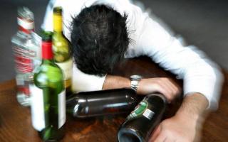 Attenzione! L'alcol fa molto più male di quanto si pensi