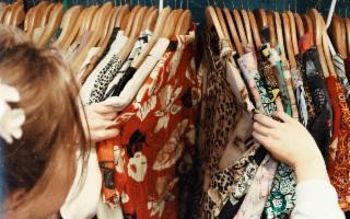 Sapete quanto costa all'ambiente il nostro vestiario?