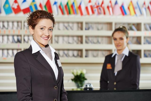 Il personale addetto all'informazione della clientela che deve sapersi destreggiare con le vendite, avere capacità di organizzare il lavoro, parlare inglese e tedesco ed essere fortemente orientato al risultato...