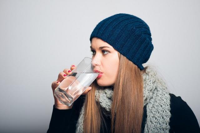 Occorre non sottovalutare il rischio disidratazione durante l'inverno...