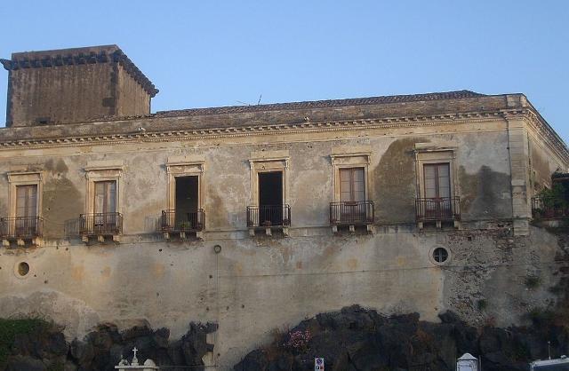 Il Castello di Schisò di Giardini Naxos,  acquisito al patrimonio della Regione per un importo pari a 3,4 milioni di euro