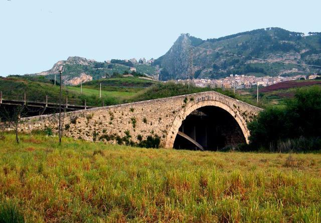 Il Ponte Vecchio di Castronovo di Sicilia
