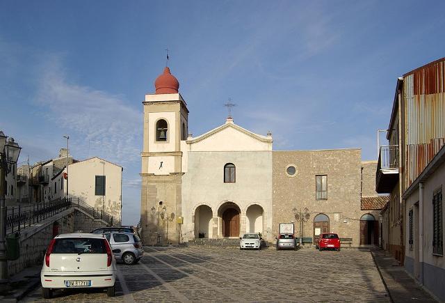 Chiesa di Maria Santissima del Carmelo, nel quartiere Rabatello - ph Berthold Werner