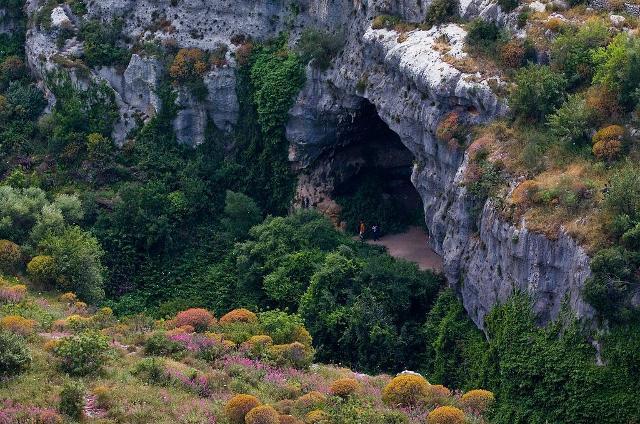 Grotta dei pipistrelli a Pantalica - ph Carlo Columba