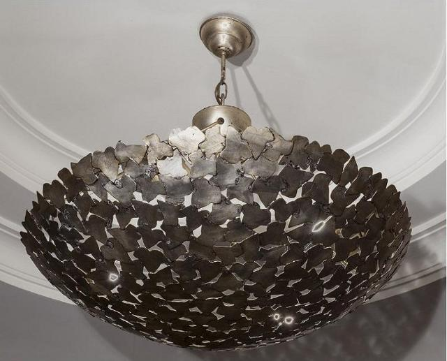 Lampadario di metallo lavorato a mano, produzione industriale della II metà del 900 - Hotel Excelsior di Catania