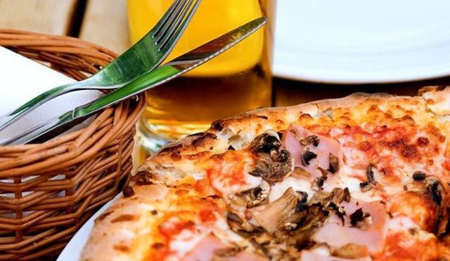 La pizza, a detta di moltissime persone, piace anche perché riesce a dare una certa soddisfazione a livello emotivo...