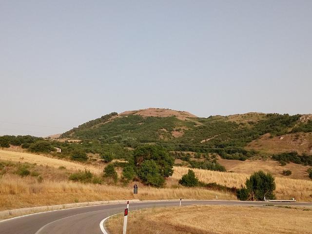 Monte dei Cavalli, sede di un sito archeologico identificato con l'antica città di Hippana - ph Mαρκος