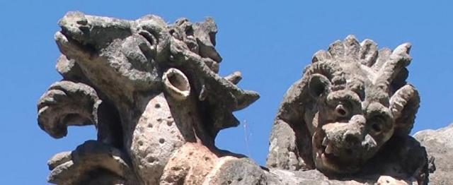 "Due ""mostri"" di Villa Palagonia - Bagheria"