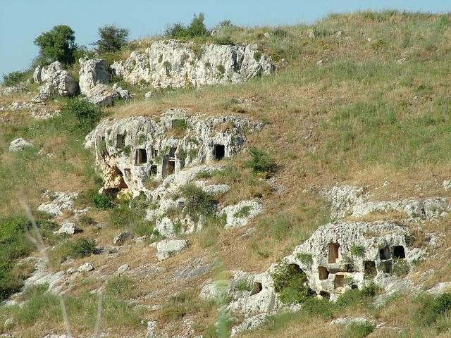 Necropoli di Pantalica, zona Nord Ovest - ph Clemensfranz