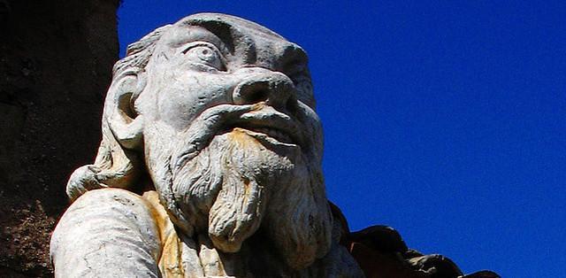 Il Pupo barbuto a guardia del cancello di Villa Palagonia - Bagheria