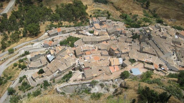 Il quartiere del Rabato a Sutera - ph Pequod76