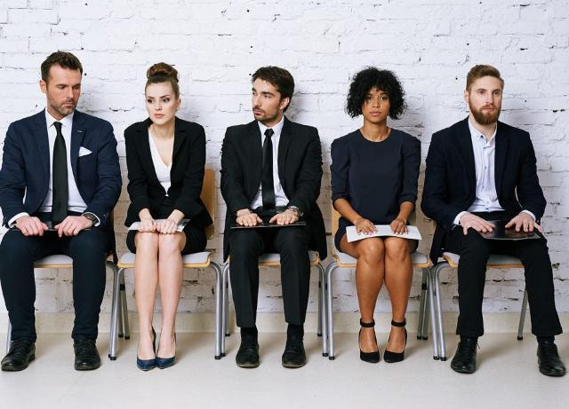 Un'alta percentuale di giovani italiani sono tanto desiderosi di lanciarsi subito nel mondo del lavoro, che ammettono di provare più ansia e desiderio nell'attesa di una chiamata per uno stage che non per la conferma di un'uscita galante, magari aspettata da tanto.