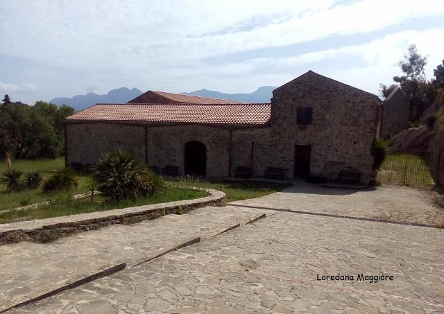 L'ingresso dei Bagni di Cefalà Diana in una foto di Loredana Maggiore