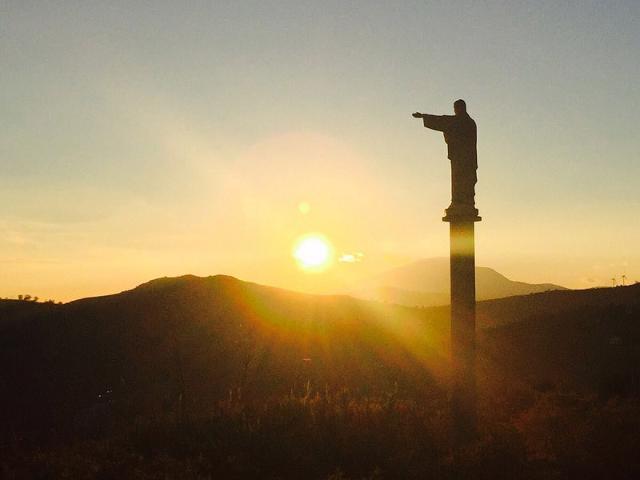 La statua del Cristo a Vallelunga Pratameno - ph www.typicalsicily.it
