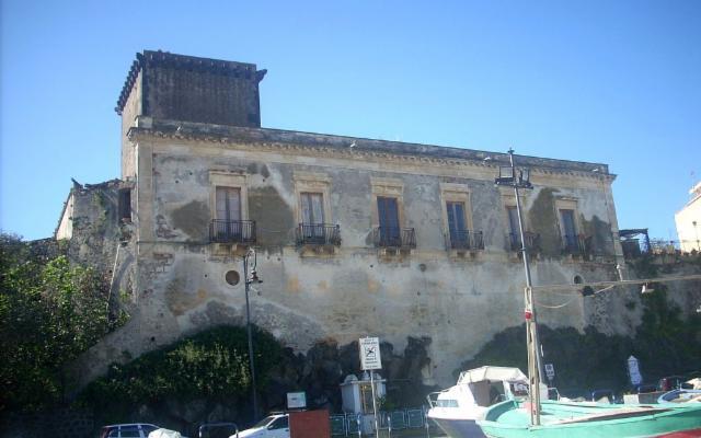 La Regione Siciliana compra il Castello di Schisò a Giardini Naxos