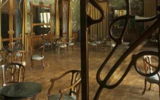 Vanno all'asta i tesori di cinque grandi hotel storici siciliani