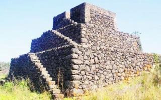 Salviamo le Piramidi dell'Etna