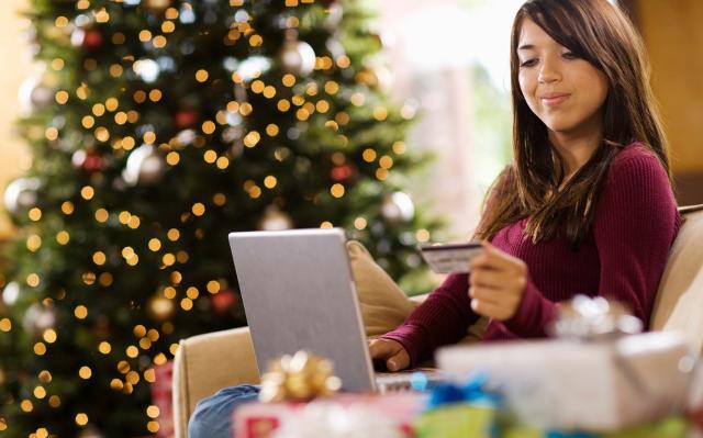 La rete diviene anche un mezzo d'acquisto sempre più gettonato...