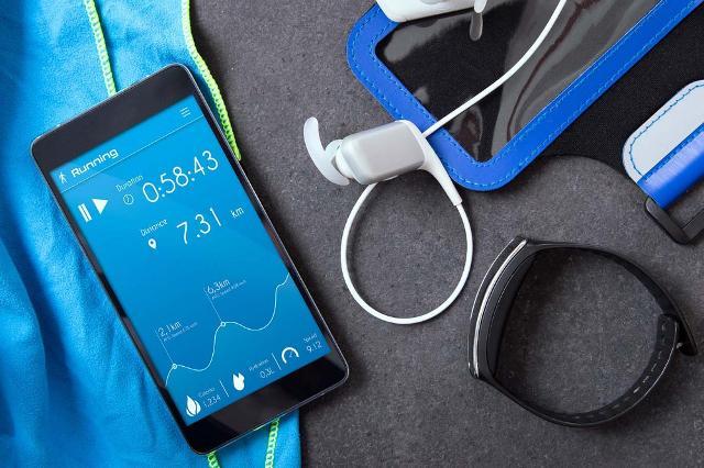 Lo strumento tecnologico più usato dagli italiani è lo smartphone, utilizzato per le app più svariate...