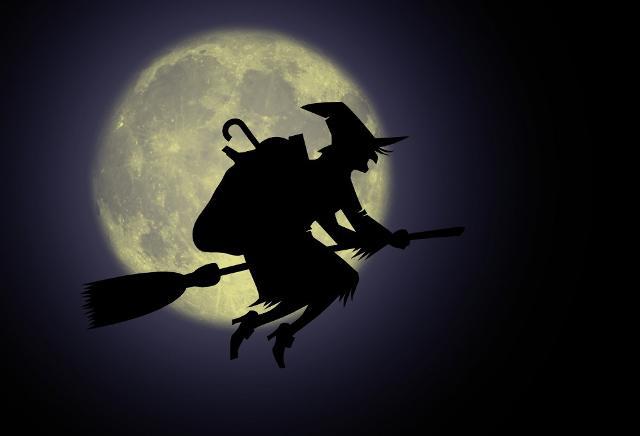 """""""La Befana vien di notte / con le scarpe tutte rotte / col cappello alla romana/ viva viva la Befana!"""""""