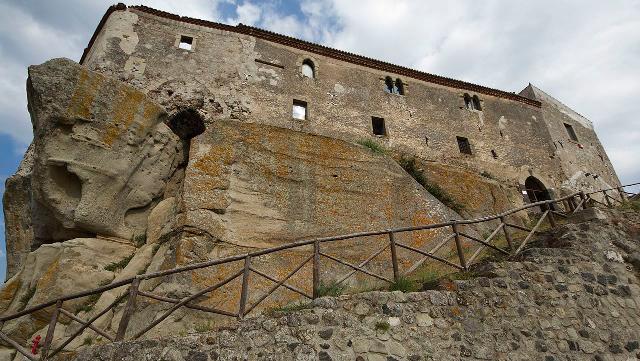 Il Castello di Lauria a Castiglione di Sicilia - ph Trolvag