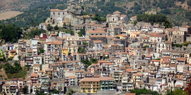 Panorama di Castiglione di Sicilia - ph Enrico Pighetti