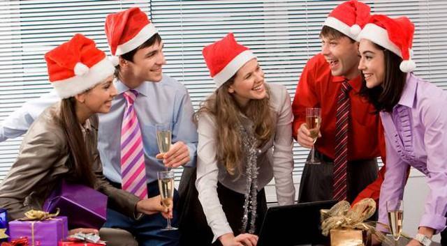 La festa natalizia in ufficio stressa 1 italiano su 3...