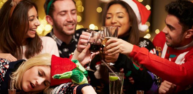 """Preparare la festa natalizia aziendale per 1 italiano su 3 spesso si trasforma in un incubo. Feste che, preparate con tali presupposti, si trasformano in esperienze """"fantozziane""""..."""