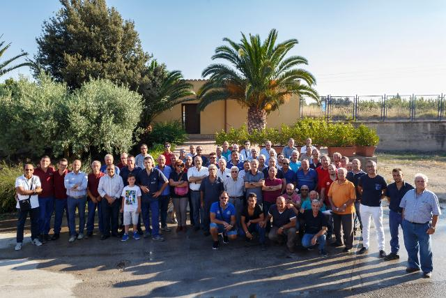 Dietro il percorso virtuoso di CVA Canicattì c'è il lavoro di squadra di circa 300 vignerons...