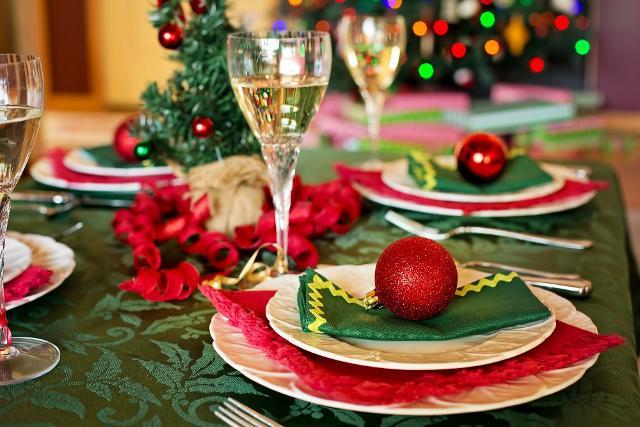 In base alla vostra scelta (colore o tema), potete iniziare a creare l'atmosfera natalizia giusta con i segnaposti...