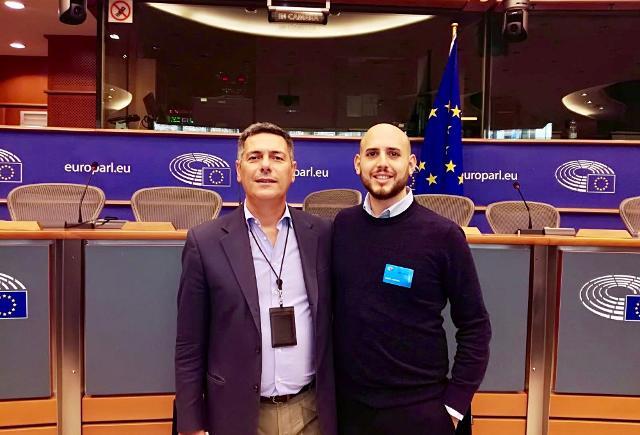 L'europarlamentare Giovanni La Via insieme a Marco De Martino