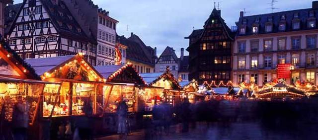 Da circa 500 anni la città di Strasburgo ospita, dal 28 Novembre al 31 Dicembre, il più antico mercatino di Natale del mondo