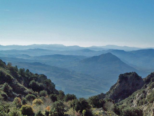 Montagne e colline da Vallone Madonna degli Angeli: panorama verso sud, sud-ovest - ph Carlo Columba