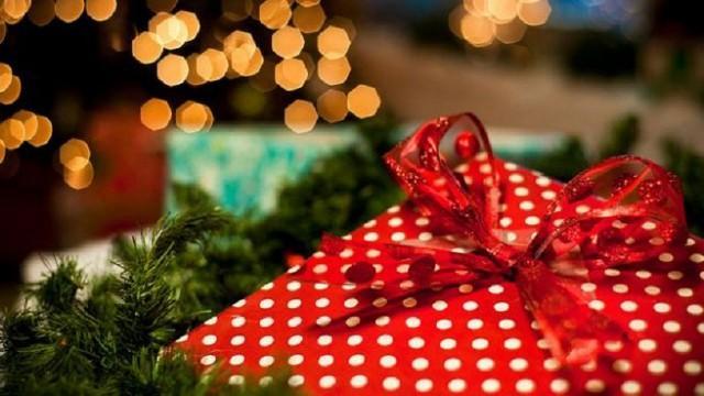 Oltre il 43% degli italiani coinvolti nella nuova indagine di mercato sui comportamenti d'acquisto natalizio condotta da eBay associa, imprescindibilmente, il 25 dicembre alle consuetudini intramontabili...