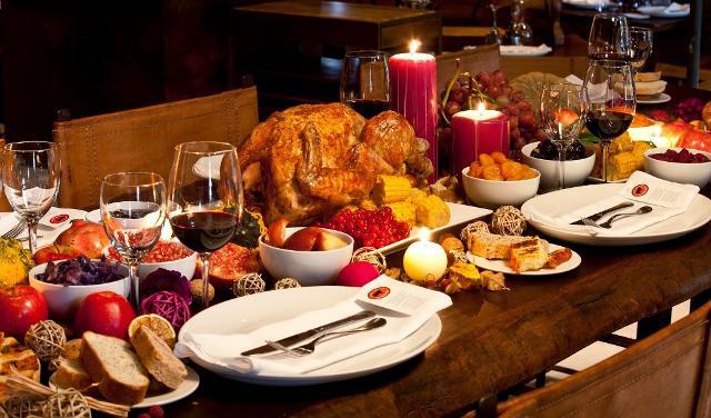 Molti italiani si stanno organizzando per celebrare la vigilia di Natale, il 25 e Santo Stefano (74%) a casa...